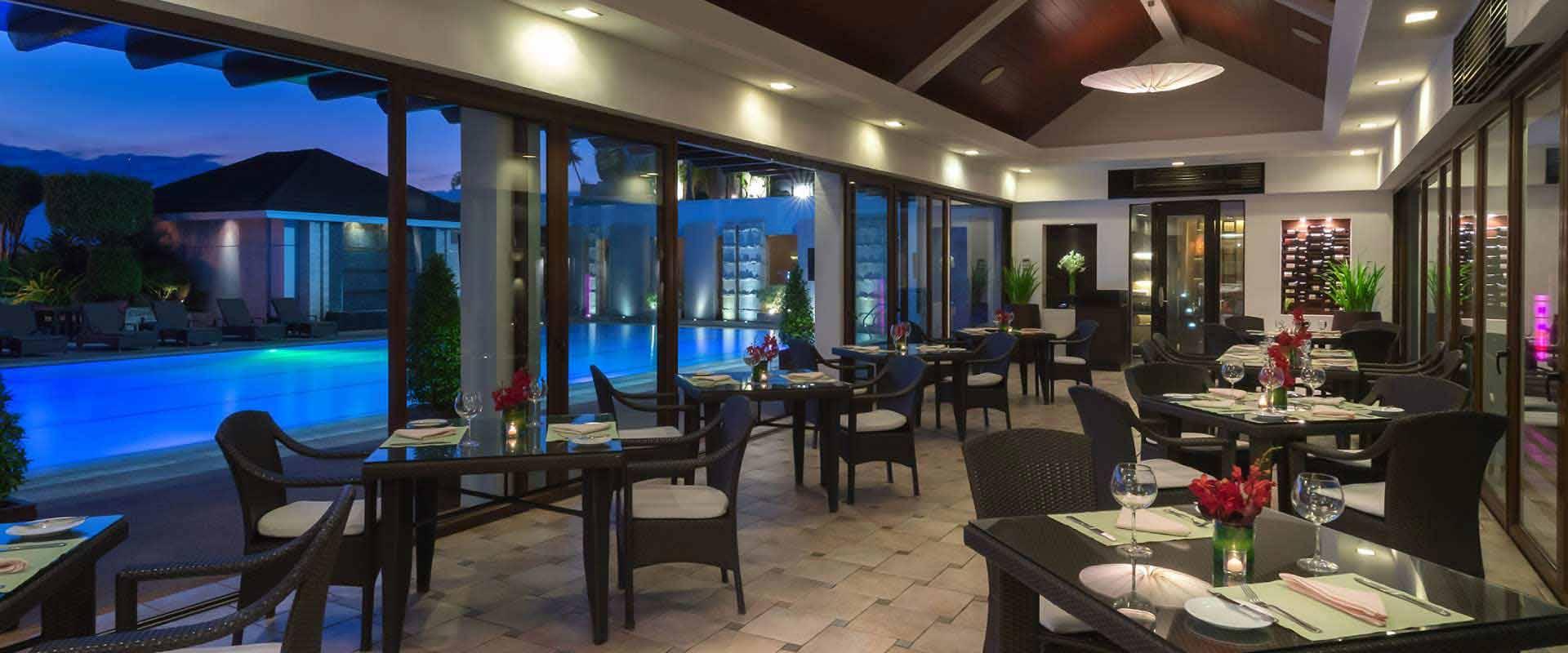 Marco Polo Davao S Polo Bistro Pool Lounge Iwander